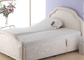 Mobility adjustable bed
